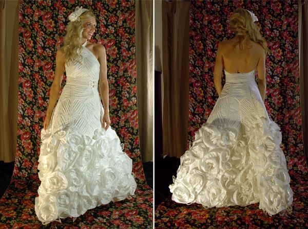http://www.fafafoom.com/wp-content/uploads/2013/06/Toilet-Paper-Wedding-Dress-2013-2ndPlace-Susan-Brennan.jpg