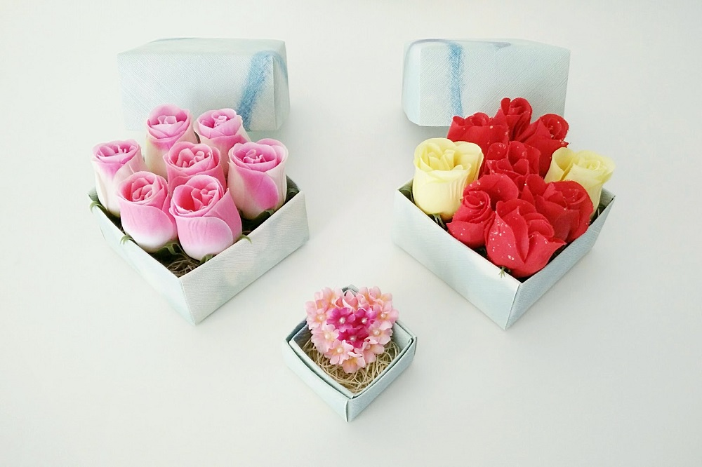 DIY Flowers in Boxes: Impulsively Romantic