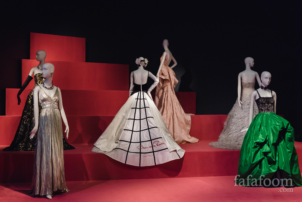 'Oscar de la Renta: The Retrospective' Exhibition: Treasured Legacy