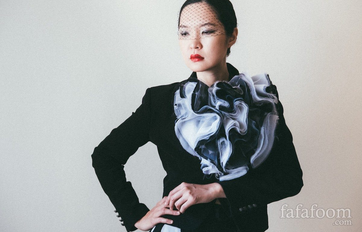 Black and White Organza Bloom Neckpiece